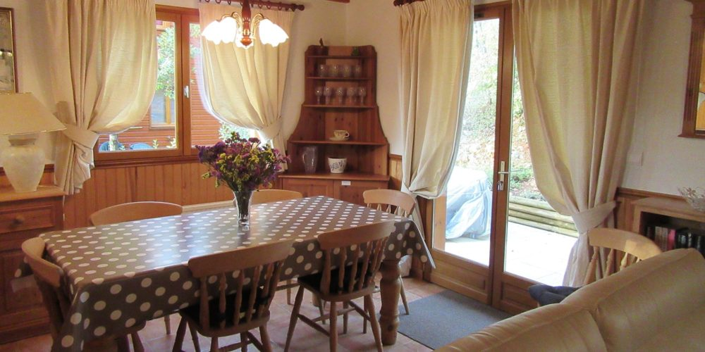 Résidence type Dordogne - salle à manger