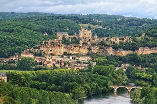 Découvrez la Dordogne, son architecture, ses viaducs et paysages